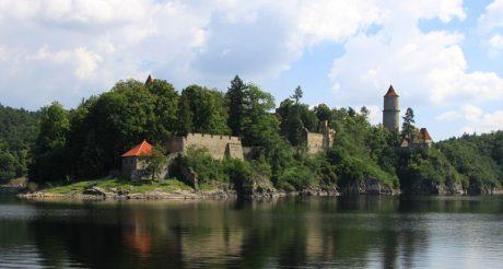 Rarášek na hradu Zvíkov nestrašil
